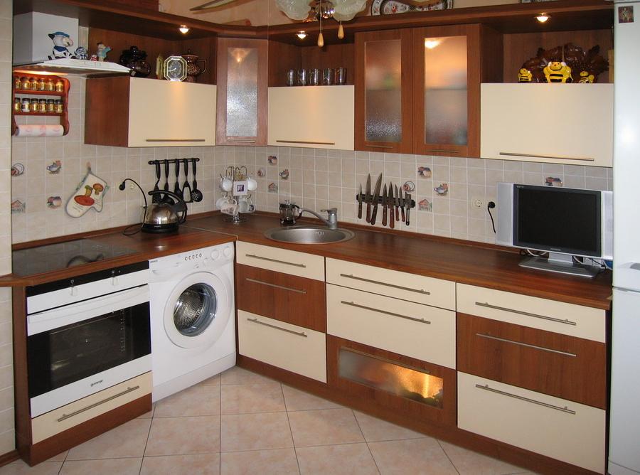 Чем покрыта кухонная мебель кухня с угловой газовой плитой
